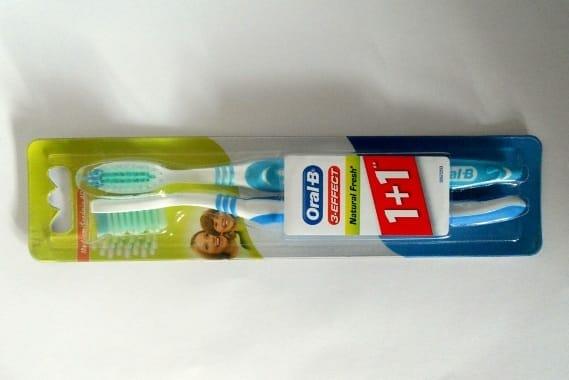 Kipróbáltuk: Oral-B 3-Effect Natural Fresh – Márkás fogkefét ennyiért?