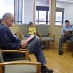 Titkos baktériumforrás? – A váróban tartott magazinok fertőzőek lehetnek?