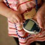 Az ellenőrzött vércukorszint csökkenti a fogászati mellékhatásokat a gyermekeknél