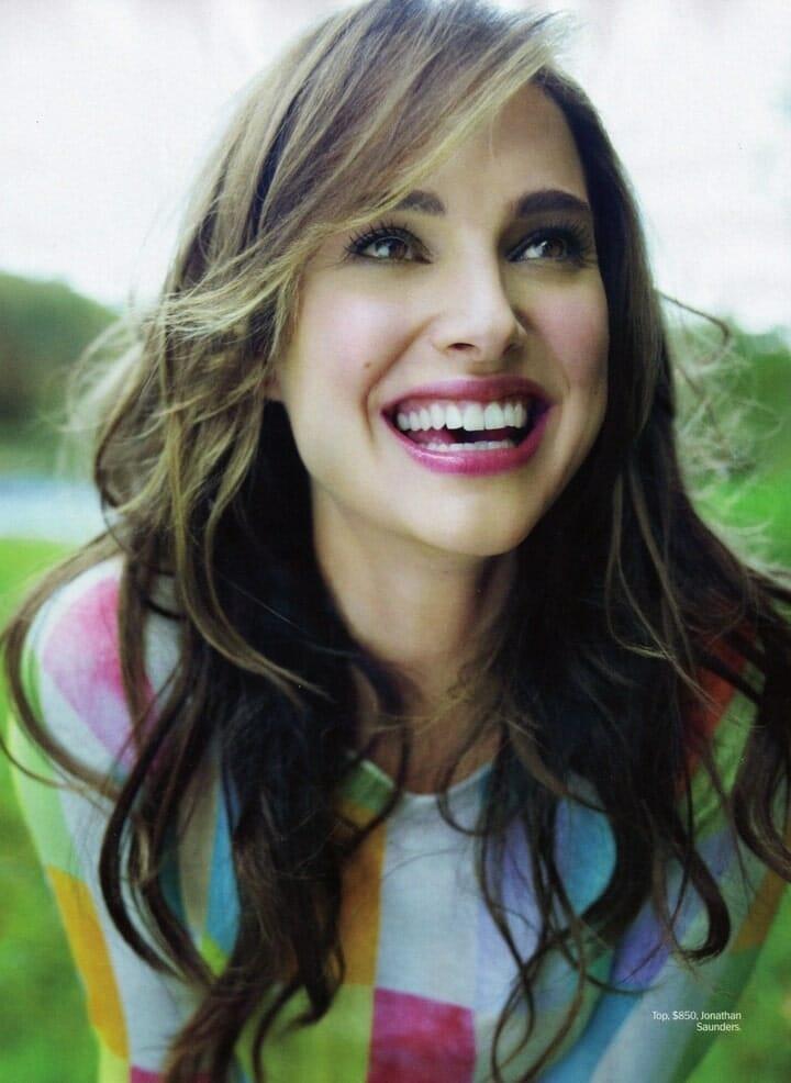 Natalie Portman mosolya erőt és intelligenciát sugároz. (Kép: Pinterest.com)