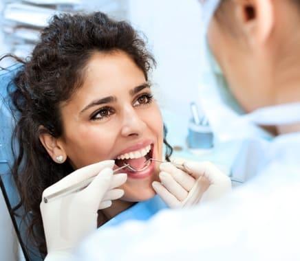 Minél több információ birtokában keressük fel a fogorvost, annál kellemesebben fog telni a találkozó.