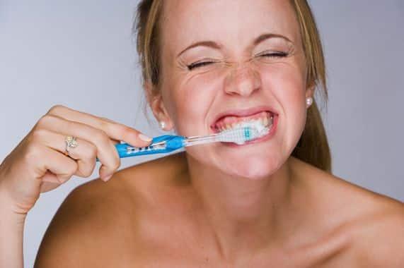 Sajnos napjainkban nincs egységesen kidolgozott módszer a helyes fogmosáshoz.