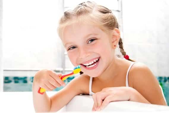 A gyermekfogkefék megválasztása fontos feladat a tejfogak épségének megőrzéséért. /Kép: arlingtondentalteam.com/