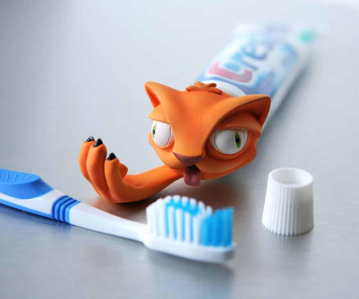 Állatfigurás fogkrém adagoló.
