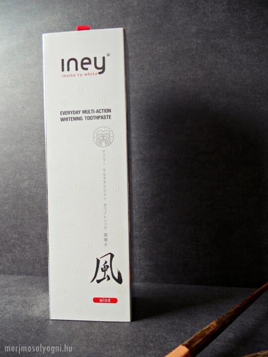 Az Iney Wind fogfehérítő fogkrém első ránézésre sem tűnik hétköznapinak.