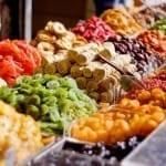 A szárított gyümölcsök általában cukrosak és könnyen feltapadnak a fogakra, ezért fogszuvasodást okoznak. /Kép: Driedworld.com/