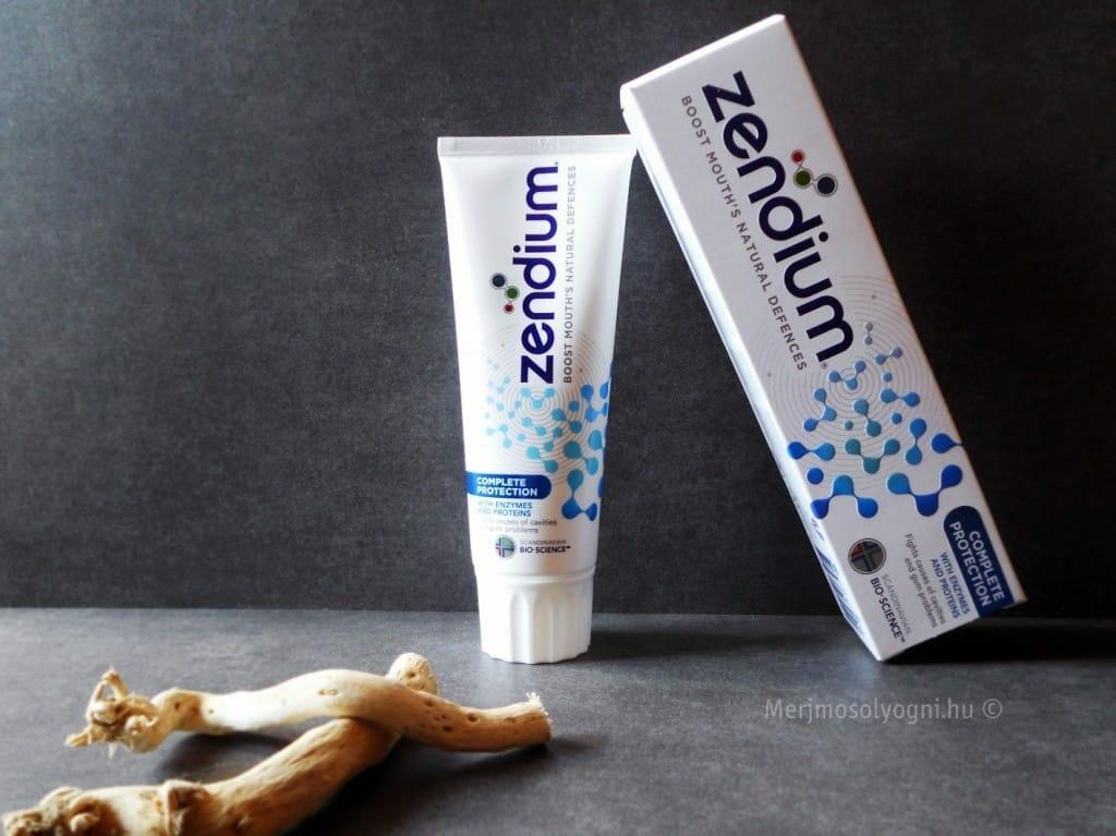 A fogkrém doboza és tubusa is minőségi anyagok felhasználásával készül.