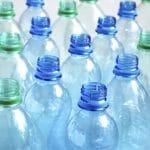 A műanyagok tartósan károsíthatják a gyermekek fogait
