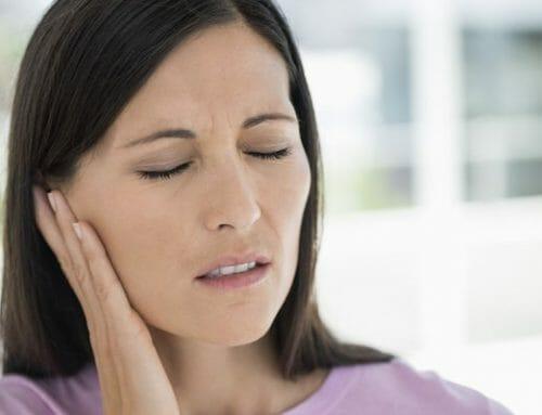 Fül mögötti fejfájás – Okok, tünetek, kezelés